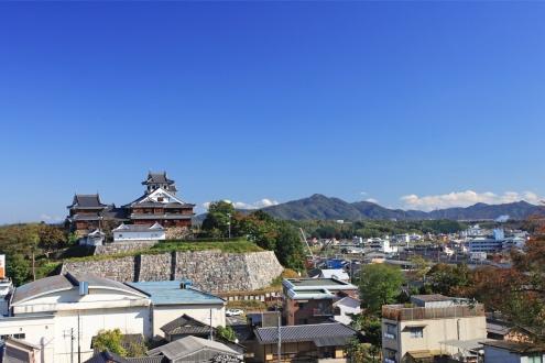 福知山市役所からの城_Fotor