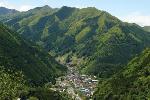 村全体がひとつのホテル<br>大切な風景や暮らしを守る<br>新たな宿泊業のかたち