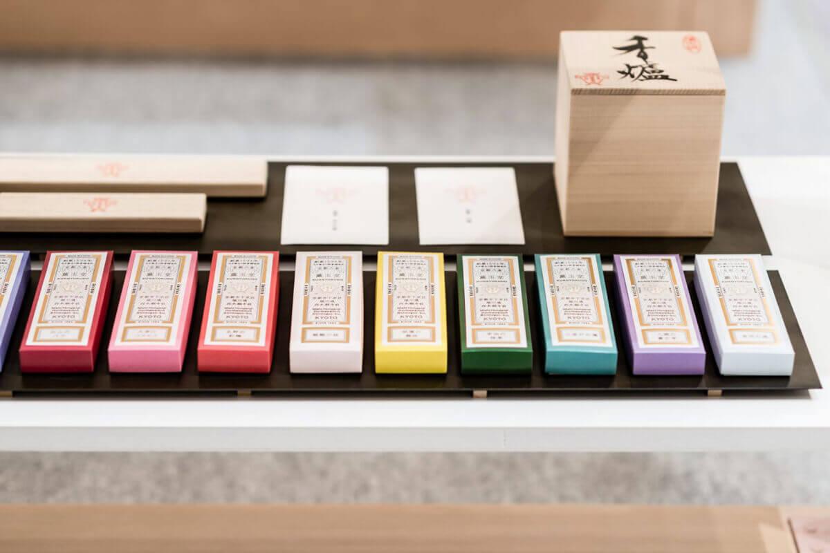 創業420余年の香老舗<br>柔軟に変化しながら、<br>その時代の香りを届ける