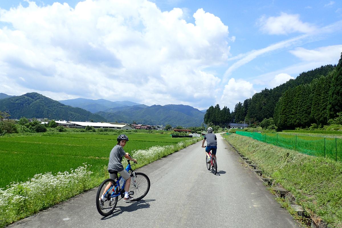 都会の出口、世界の入口<br>里山でサイクリングツアー<br>新しい世界につながる仕事