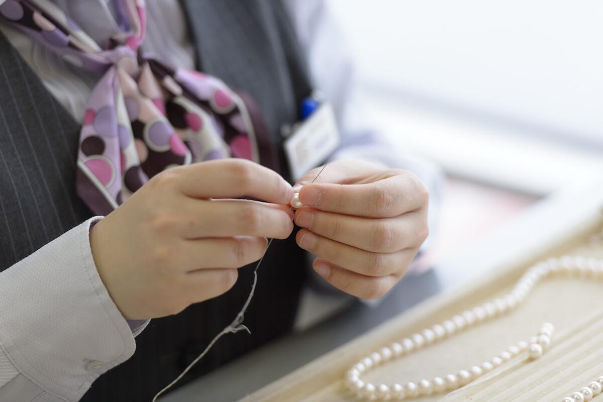 真珠のプロフェッショナル<br>想いを形にして届ける楽しみを<br>一粒一粒、積み重ねて