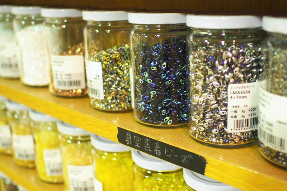 インスピレーションは一粒のビーズからものづくりの種を蒔く店