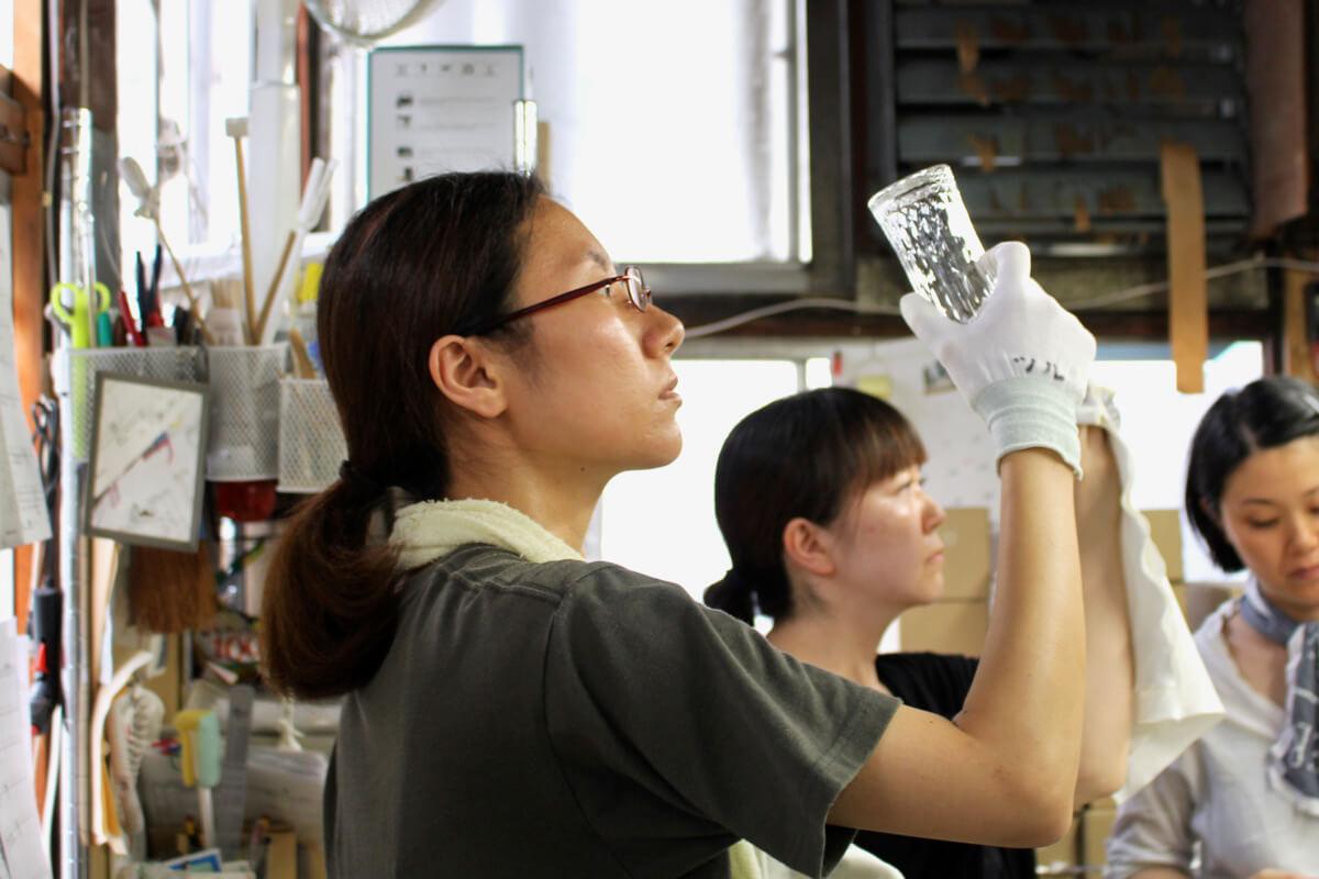 汗も苦労も、覚悟のうえ一流を目指すガラス工場
