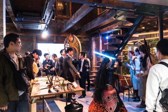 人が集まり混ざり合うカフェの形をした実験の場、その翻訳者になる