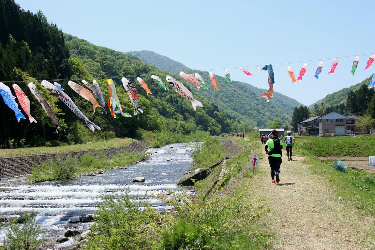 キャンプに温泉、山に川ボーダーレスに村を楽しむ観光づくり