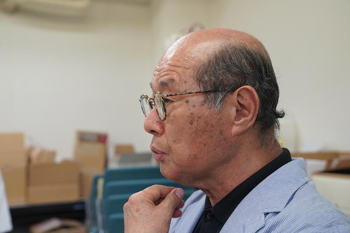 東京のガラスの協同組合で事務局長になるただし、引き継ぎなし